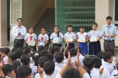 Liên Đội trường tiểu học Thị Trấn 1 tuyên dương đợt 1 cho học sinh tham gia tốt các phong trào Đội.